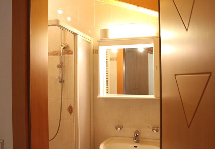Ferienwohnung 3 - Badezimmer