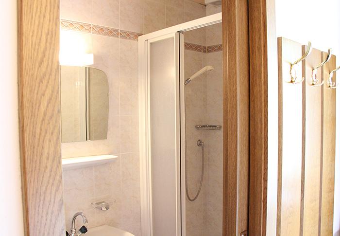 Ferienwohnung 6 - Badezimmer